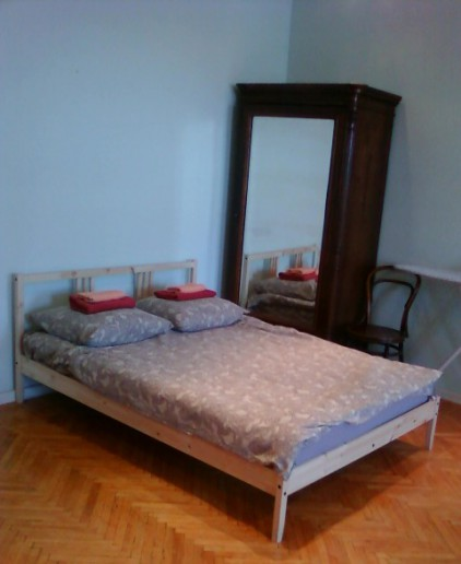 appartement de 2 pi ces pr s de la place vosstani a saint p tersbourg. Black Bedroom Furniture Sets. Home Design Ideas